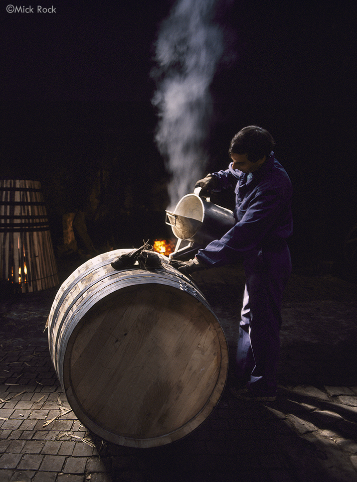 Mick_Rock_Cleaning_Port_Barrel_960px_credited