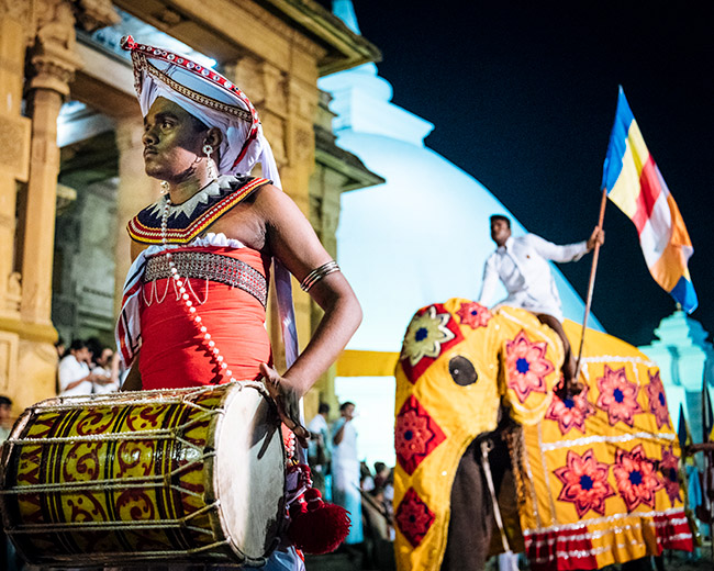 Sri Lanka, Western Province, Colombo, Duruthu Perahera Full Moon Celebrations at Kelaniya Raja Maha Vihara Buddhist Temple, Kelaniya